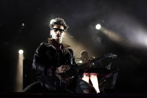 Dave Macklovitch from Chromeo plays at the Jet Blue stage