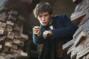"Moviegoers return to the wizarding world in ""Fantastic Beasts and Where to Find Them"""