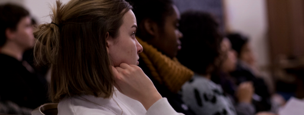 Anthea Fisher '17 listens to CG proceedings. | Photo by Audrey Stevens '17, Photography Editor
