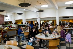 The Wellesley College dining hall system is broken